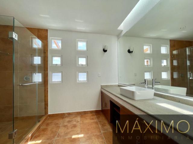 LAZARO CARDENAS, TOLUCA, ESTADO DE MEXICO, 4 Bedrooms Bedrooms, 4 Rooms Rooms,Casa,En venta,LAZARO CARDENAS,1445