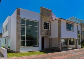 ESTADO DE MEXICO, 4 Bedrooms Bedrooms, 4 Rooms Rooms,Casa,En venta,1074
